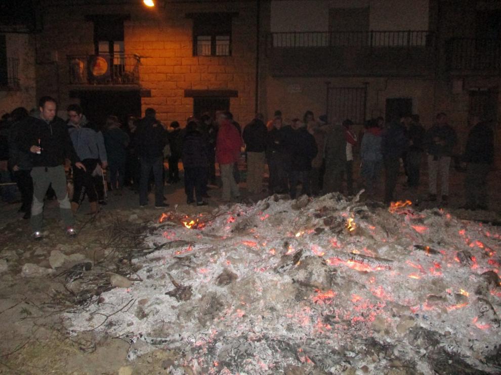 Las hogueras, ejes en Biscarrués de las fiestas de San Sebastián