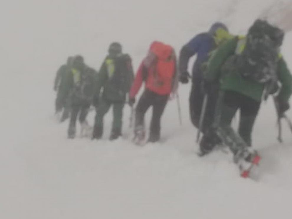 Difícil rescate de dos montañeros extraviados en el valle del Aspe