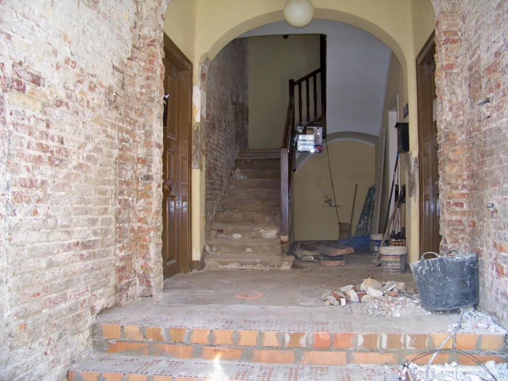 Arranca en Fraga la remodelación del acceso al antiguo edificio de Correos