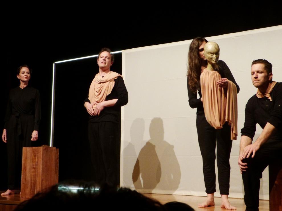"""Clara Monzó, de Carabau Teatre: """"Con un """"Lorca"""", tienes que salir a darlo todo en el escenario"""""""