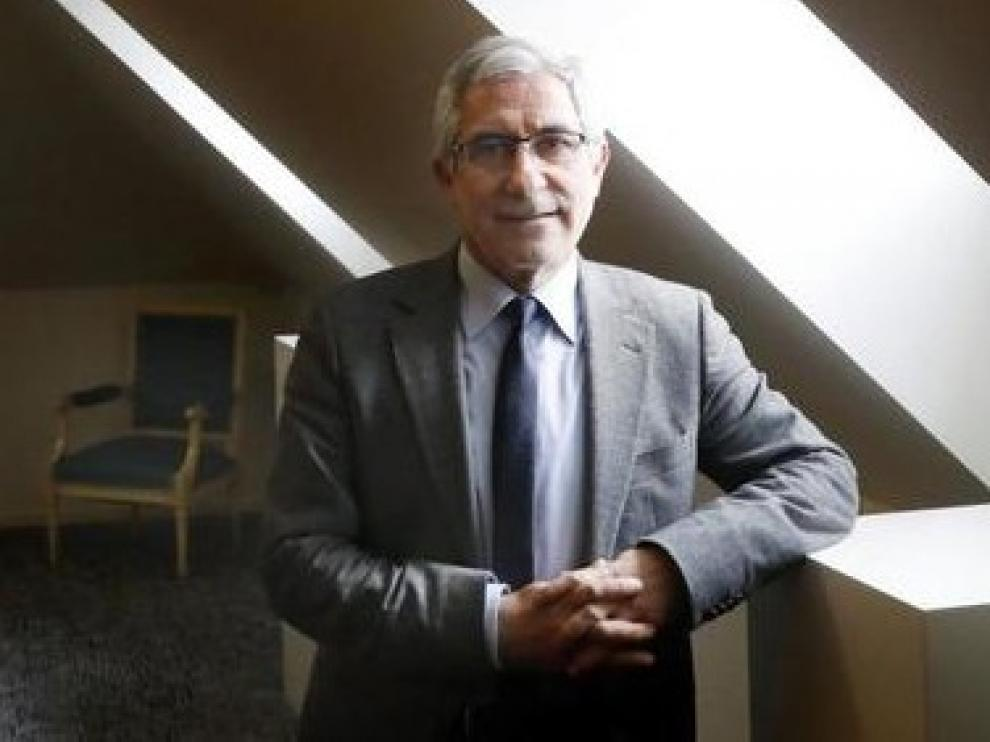 Llamazares renuncia al acta de diputado y a presentarse a las primarias de IU de Asturias
