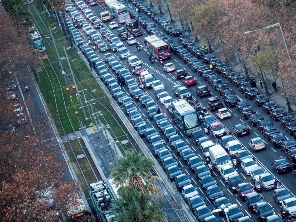 Taxistas de Madrid cifran un seguimiento del 100% de la huelga con una multitudinaria concentración en Ifema