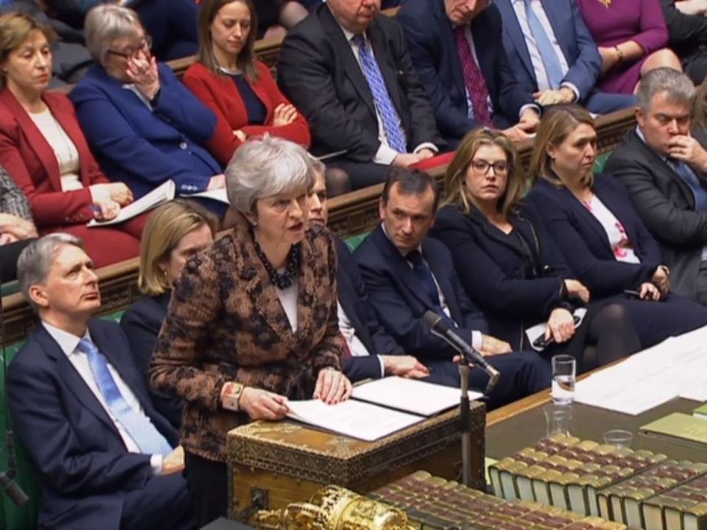 """May rechaza un segundo referéndum porque dañaría la """"cohesión social"""""""