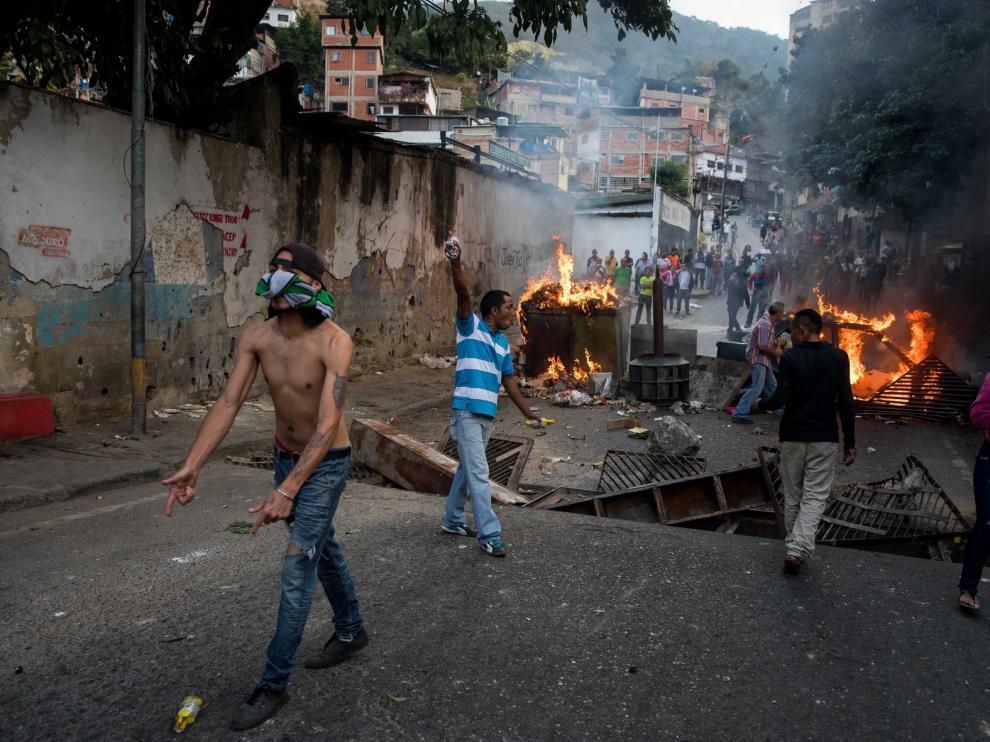 Maduro frena una sublevación militar