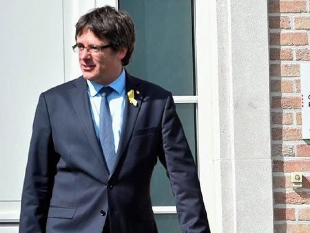 Puigdemont todavía valora una investidura a distancia