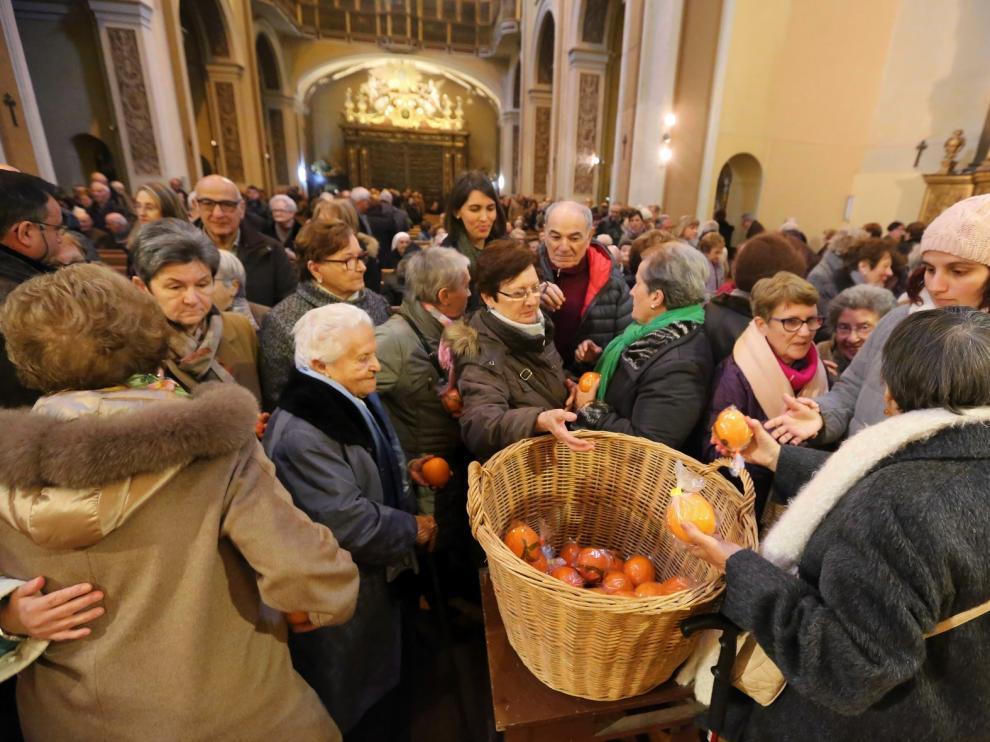Misa tradicional y naranjas en el día en honor a San Vicente, el copatrón de Huesca