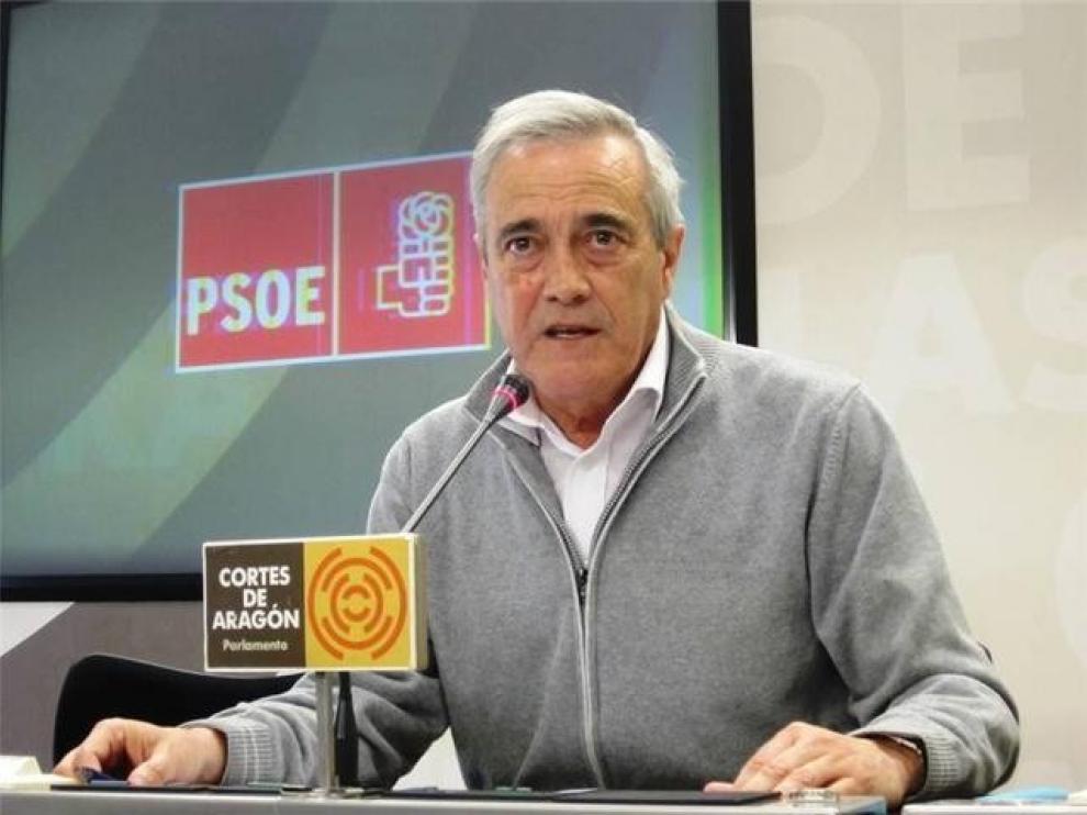 El AVE de bajo coste se aplaza entre críticas de PP, PSOE y PAR