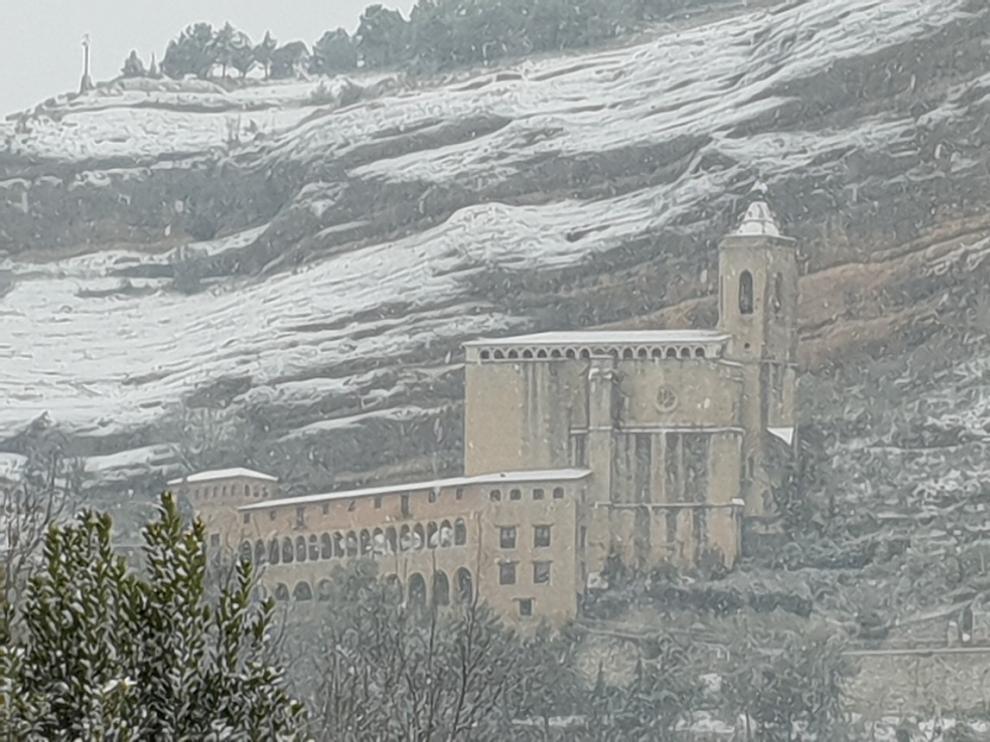 La nieve no ha dejado ni un solo rincón de la Ribagorza por pintar de blanco