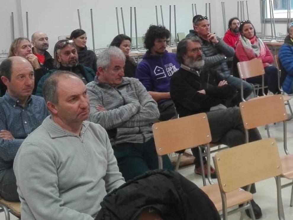 """Joaquín Sánchez y Charo Cantarero, guardas de refugios: """"Somos multiusos, tenemos que saber hacer un poco de todo"""""""