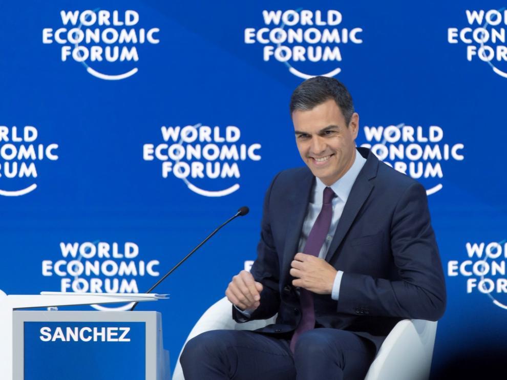 Sánchez llama en Davos a luchar contra las desigualdades