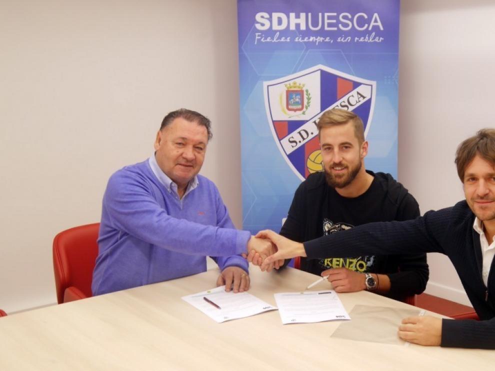 El Huesca anuncia que Pulido amplía su contrato con el club hasta 2022
