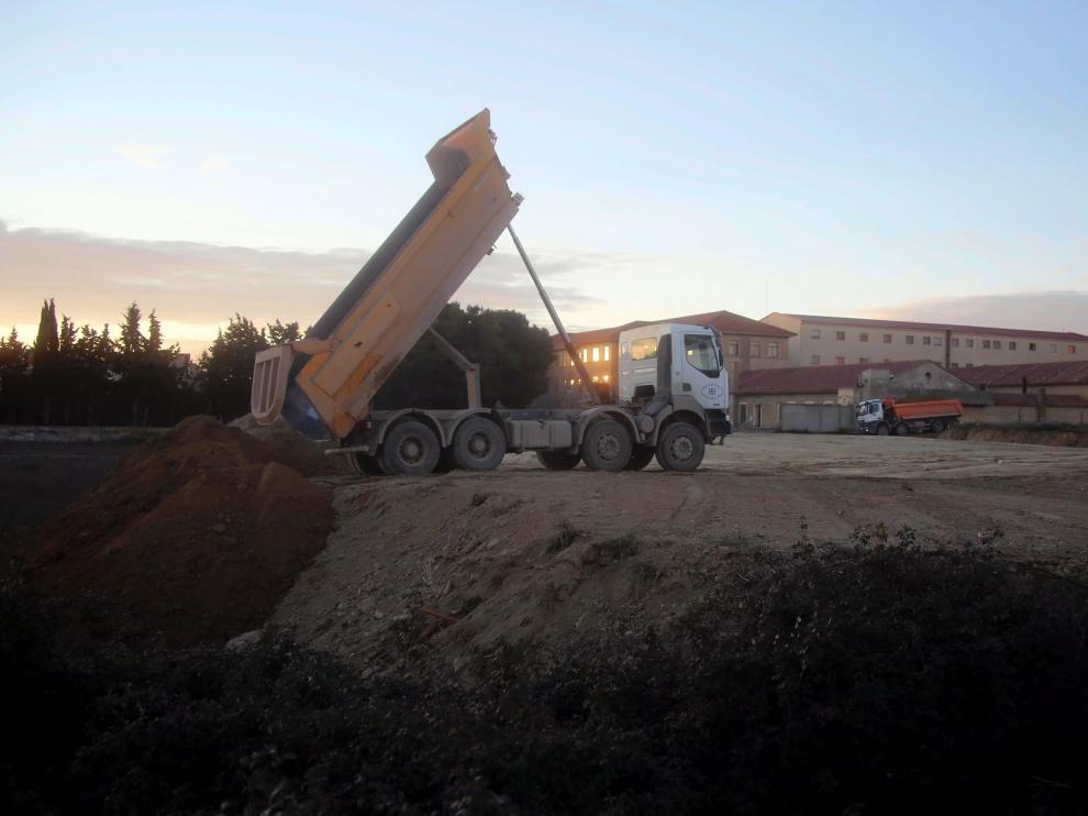 Empiezan las obras en los terrenos para la ampliación del cuartel Sancho Ramírez de Huesca