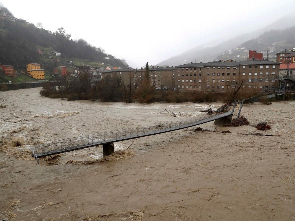 Cortes de vías por las lluvias, que también dejan cuatro muertos