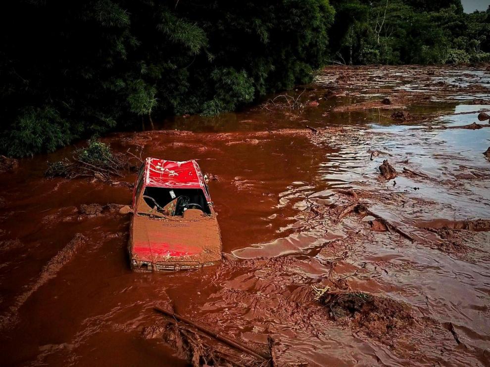 La ruptura de una represa en Brasil deja 24 víctimas