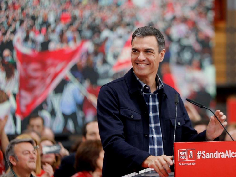 Sánchez critica a PP y Cs y los acusa de no tener escrúpulos
