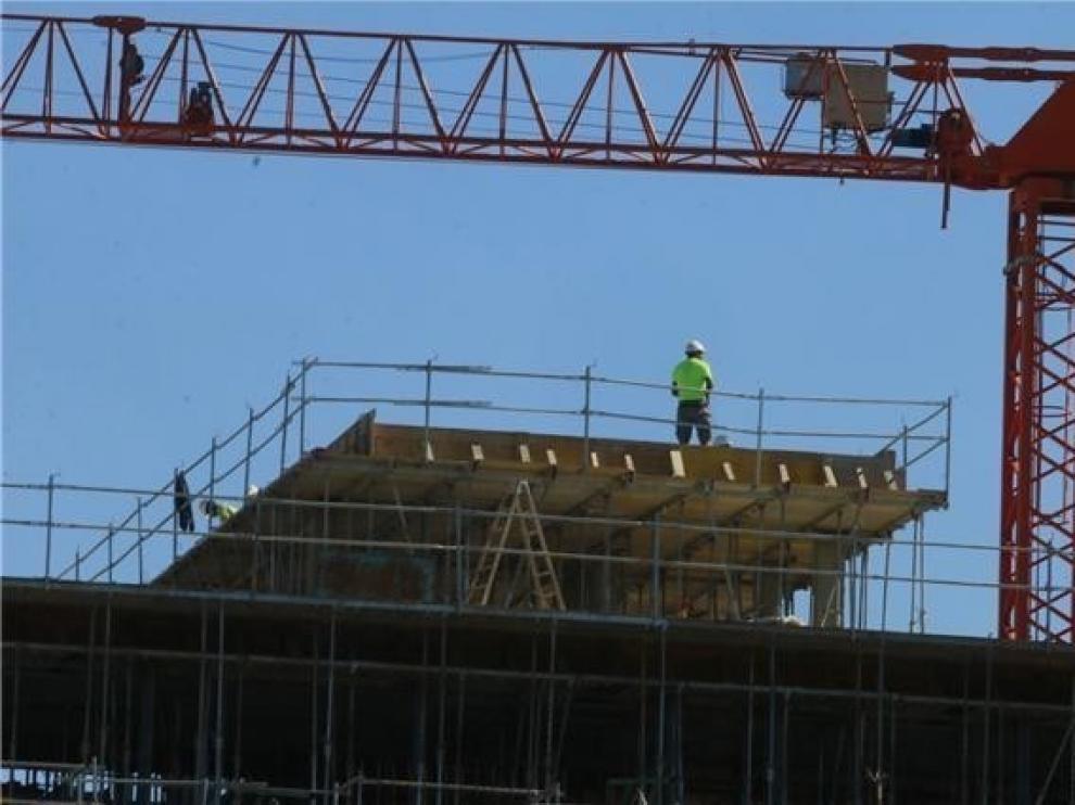 El sector inmobiliario crecerá este 2019 de forma moderada
