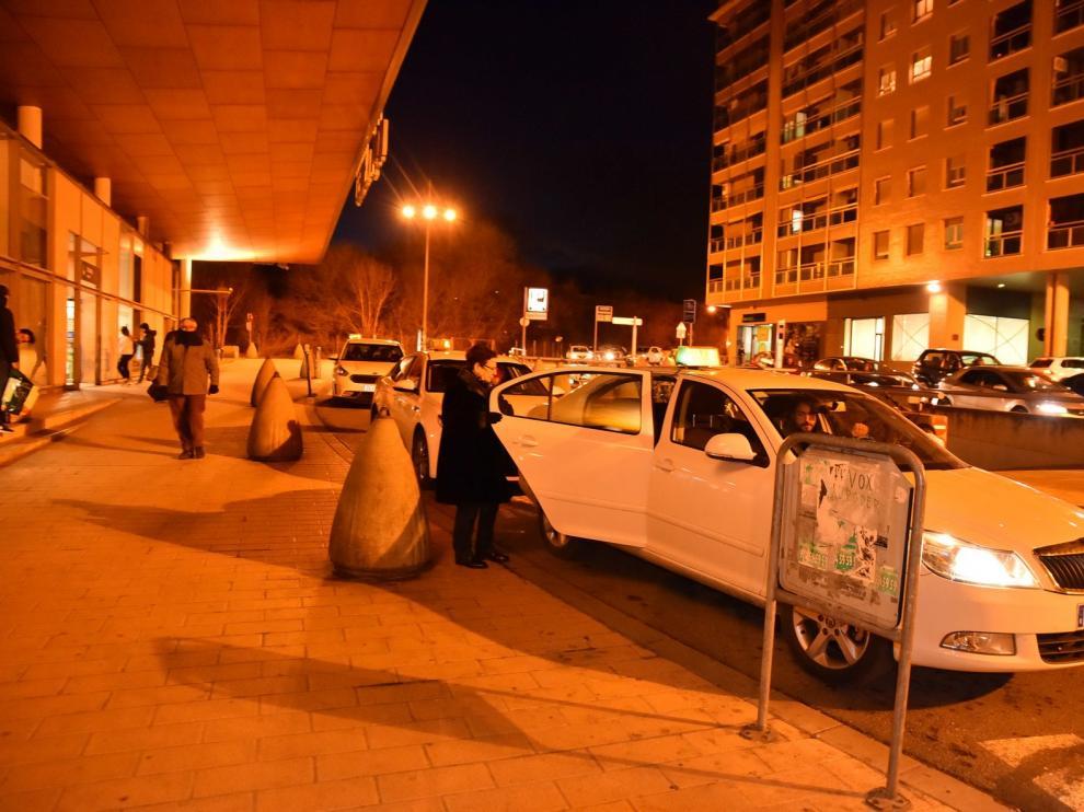 Calma entre los taxistas de Huesca frente al conflicto de los VTC