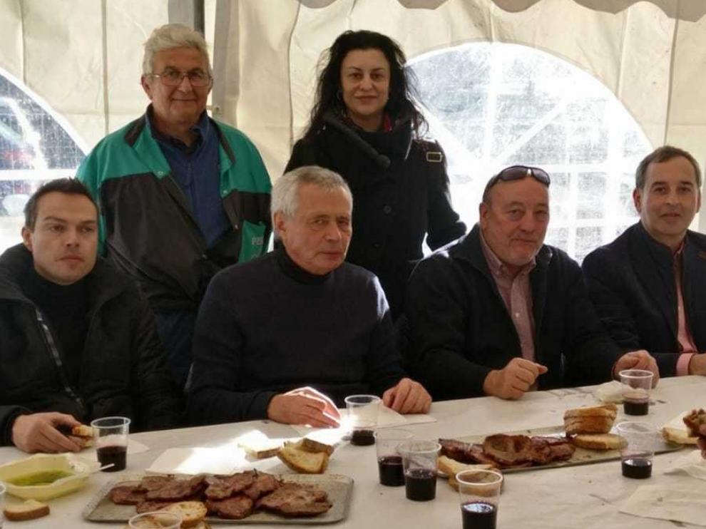 Más de cinco mil personas en la Festa del Tossino de Albelda