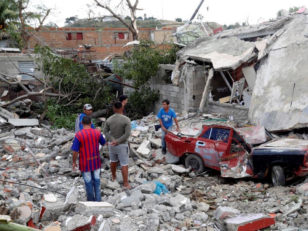 Tres muertos y 172 heridos tras el paso de un tornado por La Habana