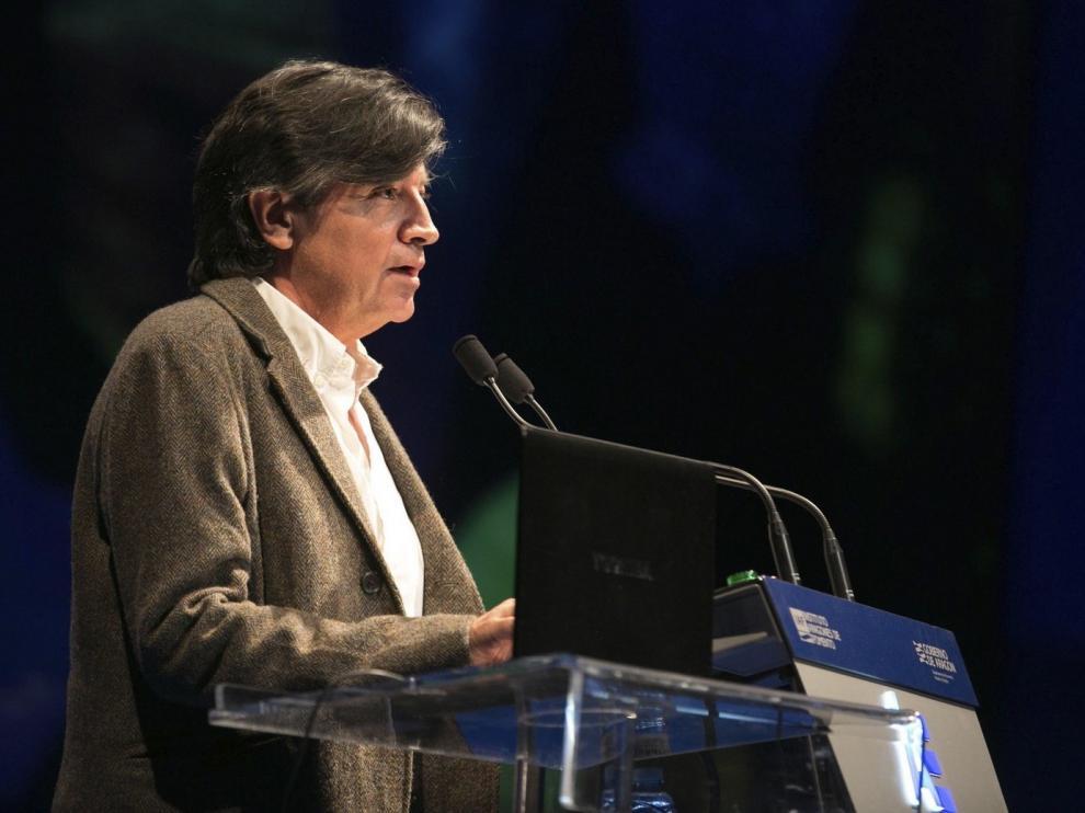 """López-Otín cree que la retirada de sus artículos es """"dañina"""""""