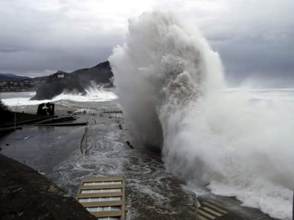 La borrasca Gabriel se aleja tras dejar rachas huracanadas y olas de 8 metros