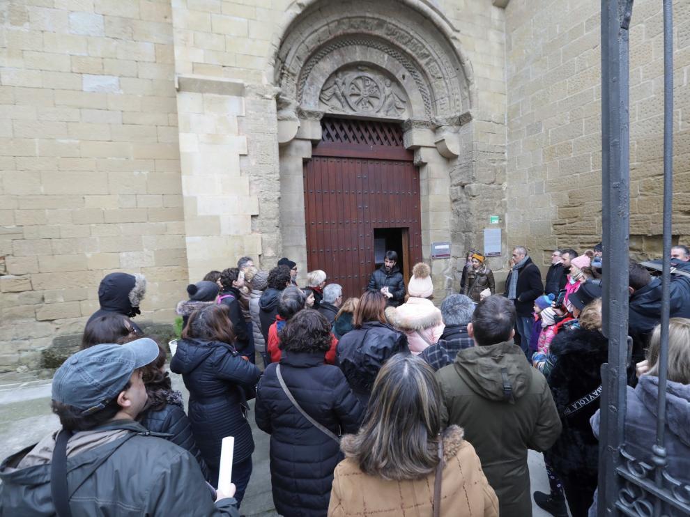 Los zaragozanos descubren los encantos de Huesca en el día de San Valero