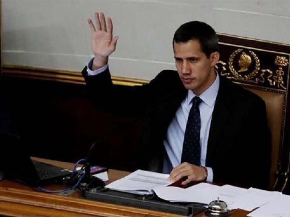 El Tribunal Supremo de Venezuela prohíbe a Guaidó salir del país y congela sus cuentas