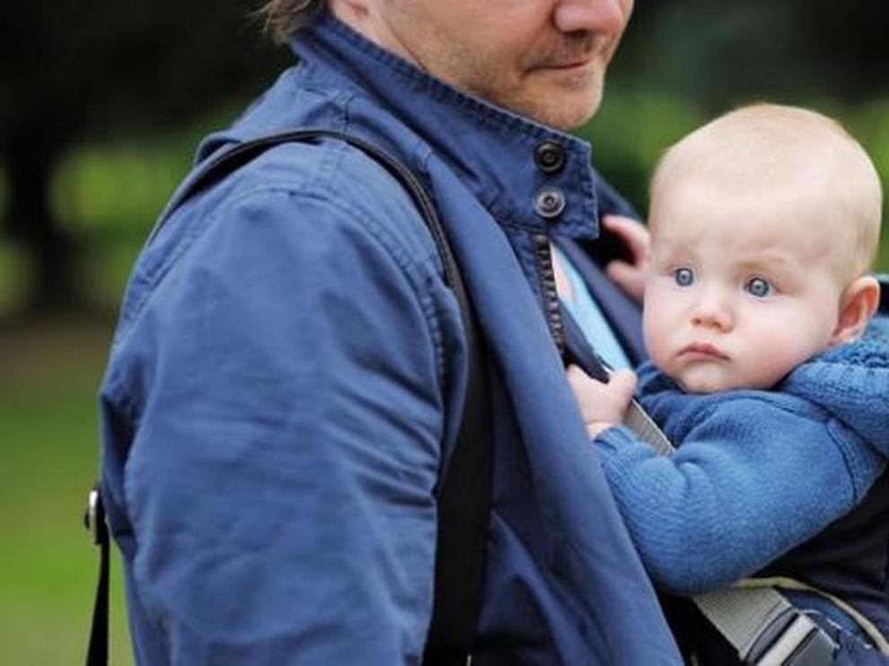 El gasto en prestaciones de paternidad se dispara un 12,2% en 2018 tras la ampliación del permiso