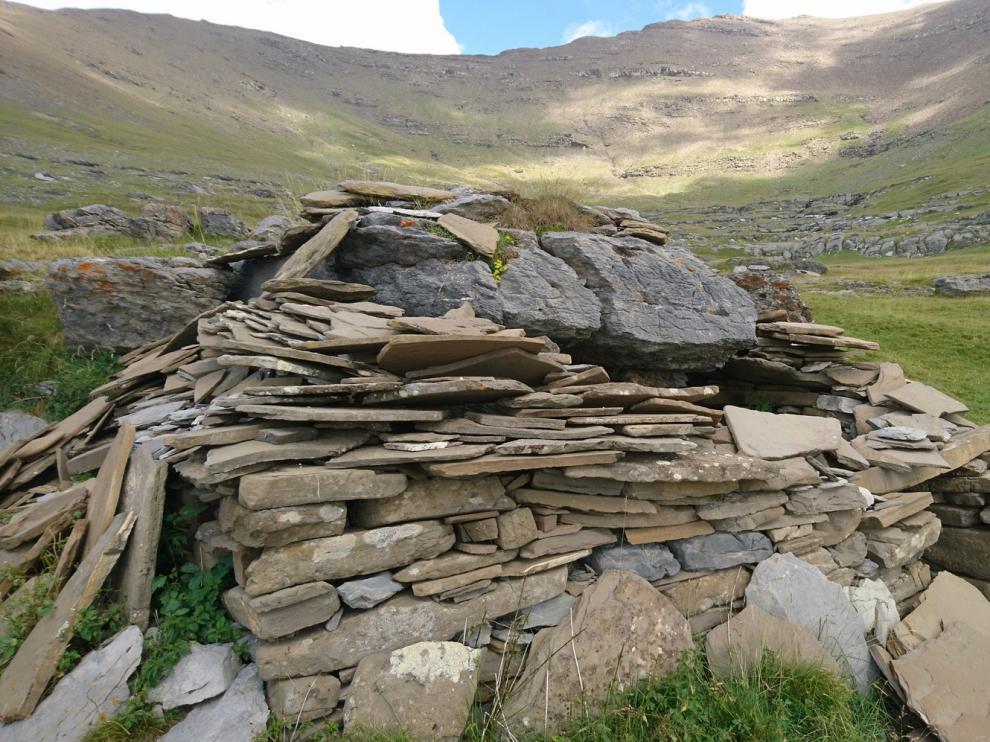 Ordesa recuperará dos de sus antiguas mallatas de pastor en el puerto de Góriz