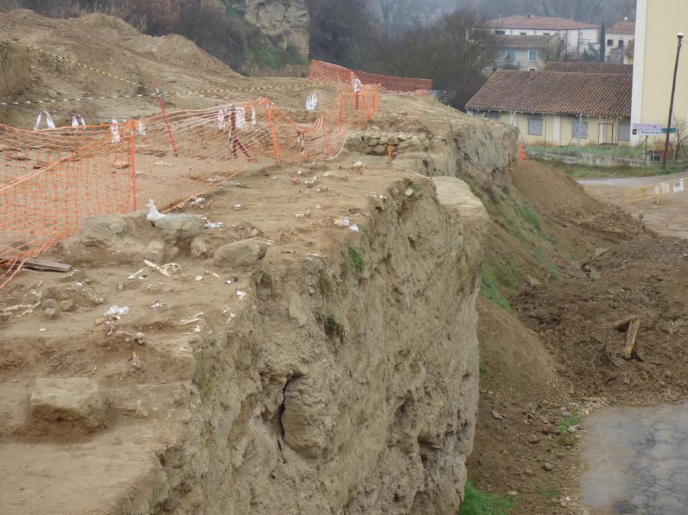Los estudios arqueológicos en la carretera de Salas continúan hasta el final