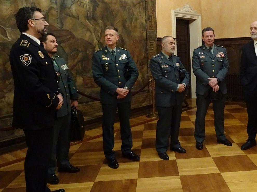 El director General de la Guardia Civil se reúne con los responsables de las unidades de la Comandancia de Huesca