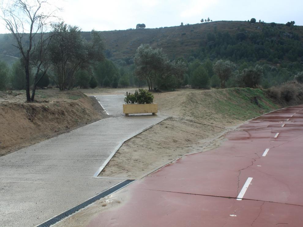 Monzón cuenta con un acceso a la Fuente del Saso por la rambla del Canal de Aragón y Cataluña