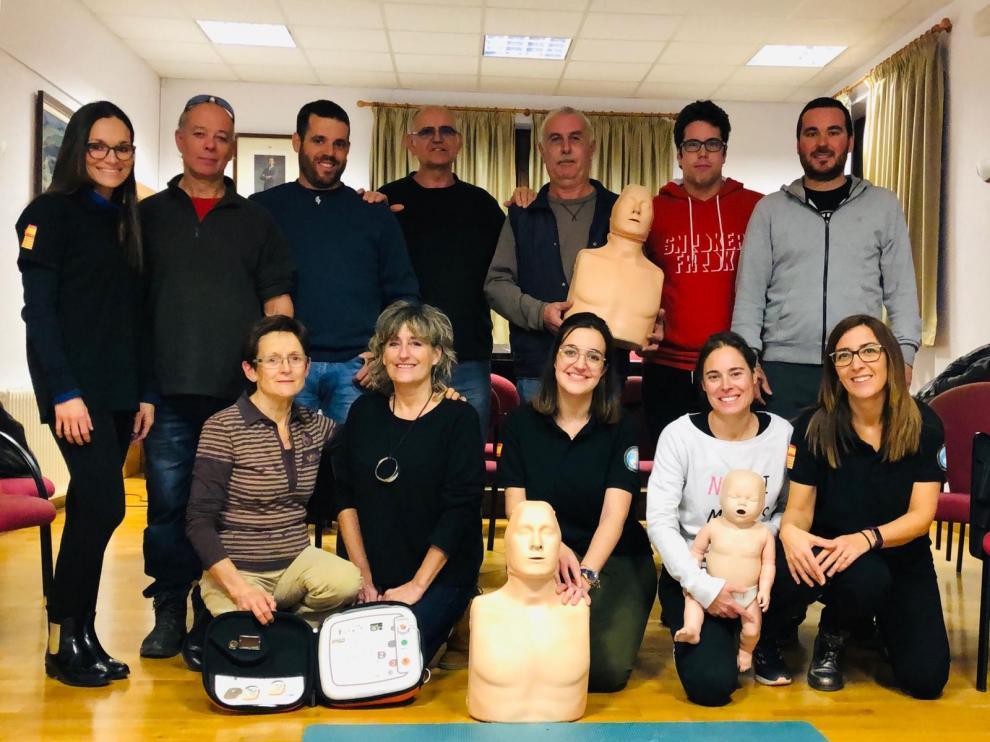 Vecinos de Biscarrués se forman en primeros auxilios en un curso de RCP