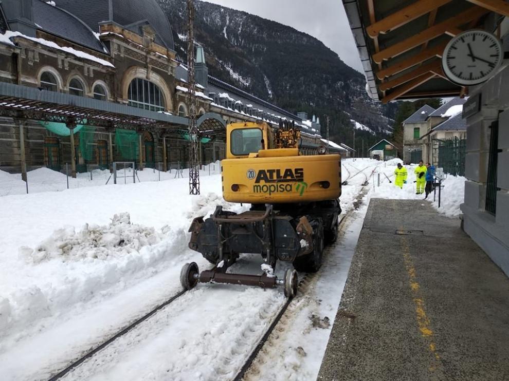 Restablecido el tráfico ferroviario entre Canfranc y Jaca