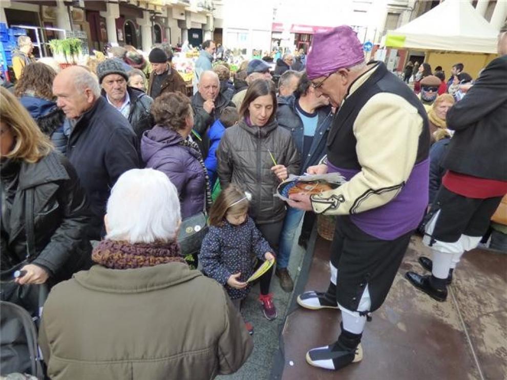 Barbastro celebra una de las ediciones más populares de los últimos años de su feria de La Candelera