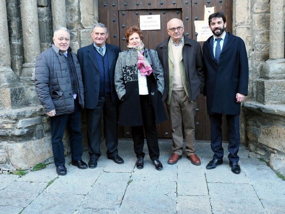 Cálido homenaje al refugio de Viadós y el párroco Cabrero en los Premios Cruz de Sobrarbe