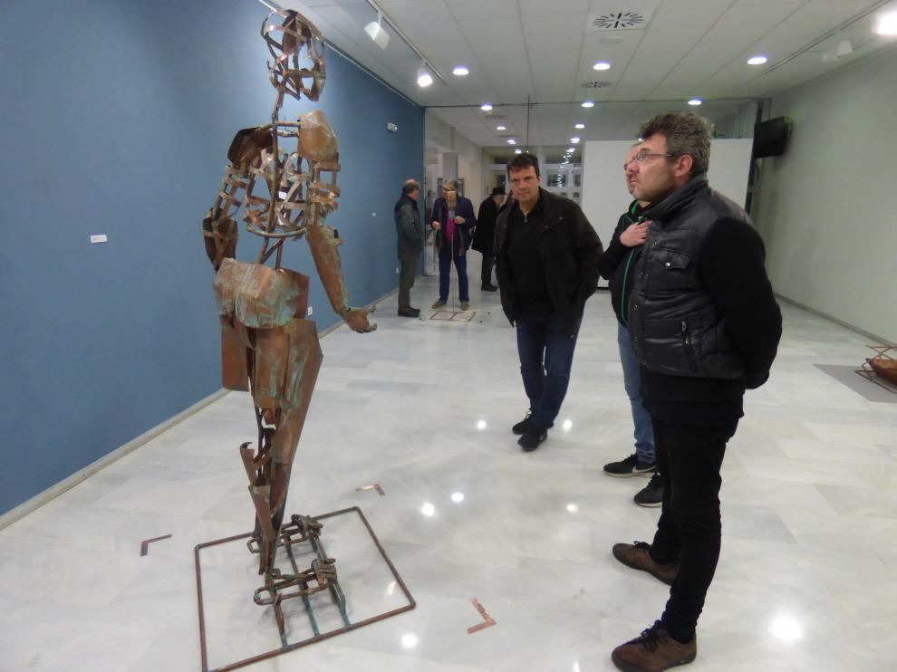 El artista uruguayo Eduardo Gimeno exhibe sus últimos trabajos en el Centro de Congresos de Barbastro