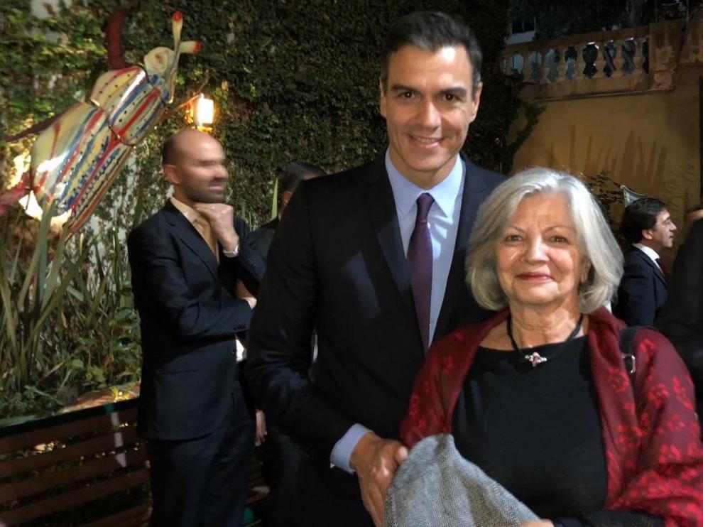 Sánchez mantiene un encuentro con Rosa Seco, hija del primer alcalde republicano de Barbastro