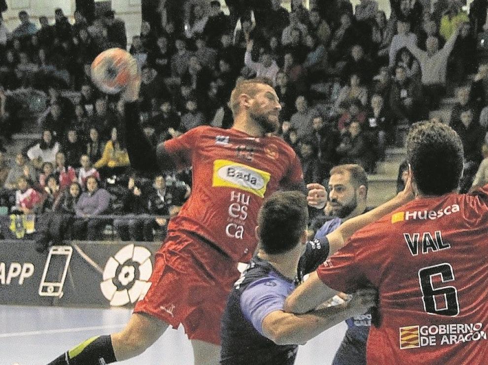 Bada Huesca empata en Cangas (21-21)