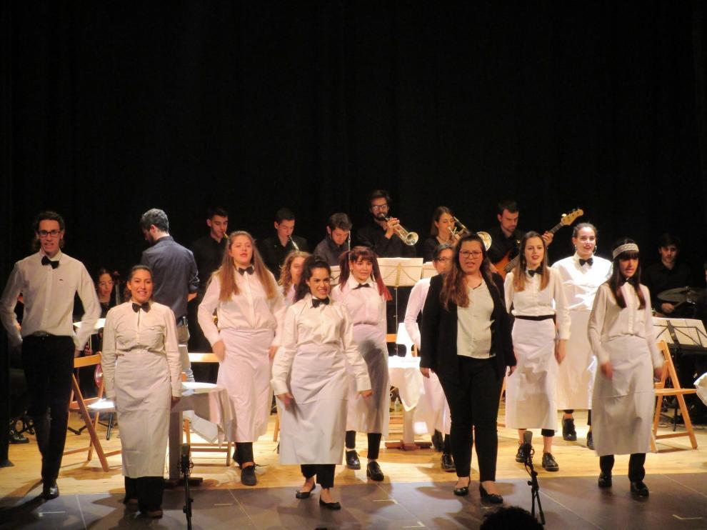 """Huesca aplaude el ensayo de """"La boda"""" de Jazz for Kids"""