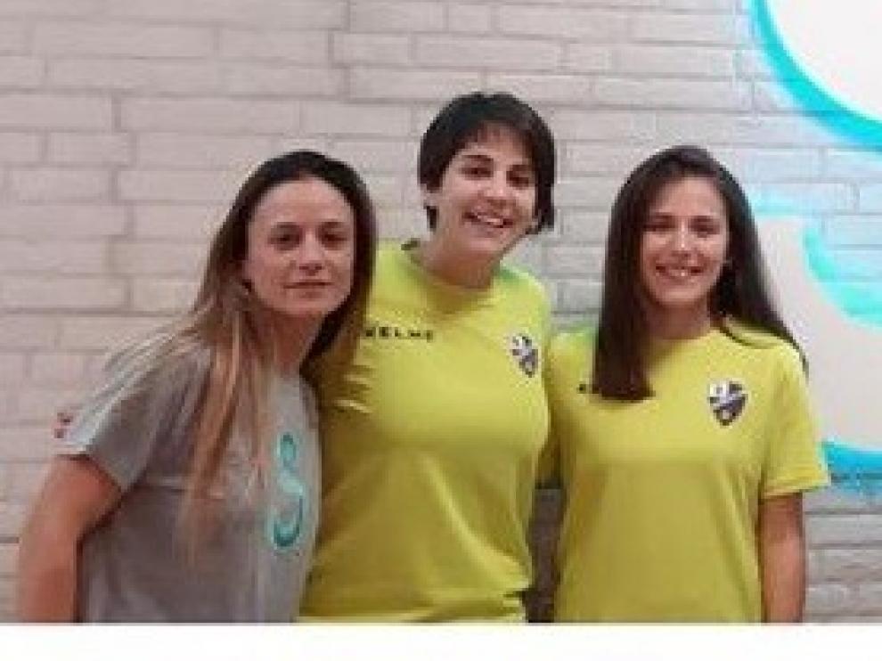 Los equipos femeninos del Huesca, de la mano con el Centro Sinergia Salud