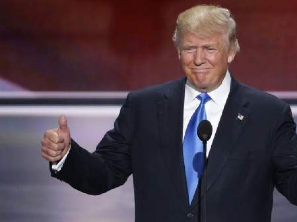 """Trump ratifica su apoyo a Guaidó como """"presidente interino"""" de Venezuela"""