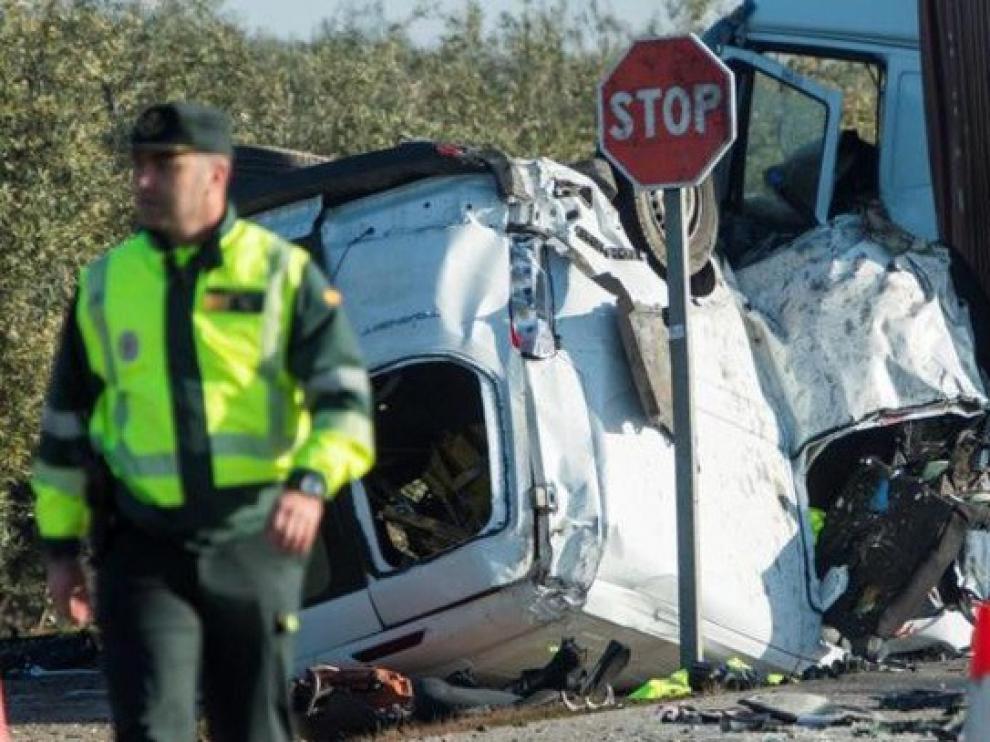 Cinco empleados de una empresa mueren en un accidente de tráfico en Sevilla