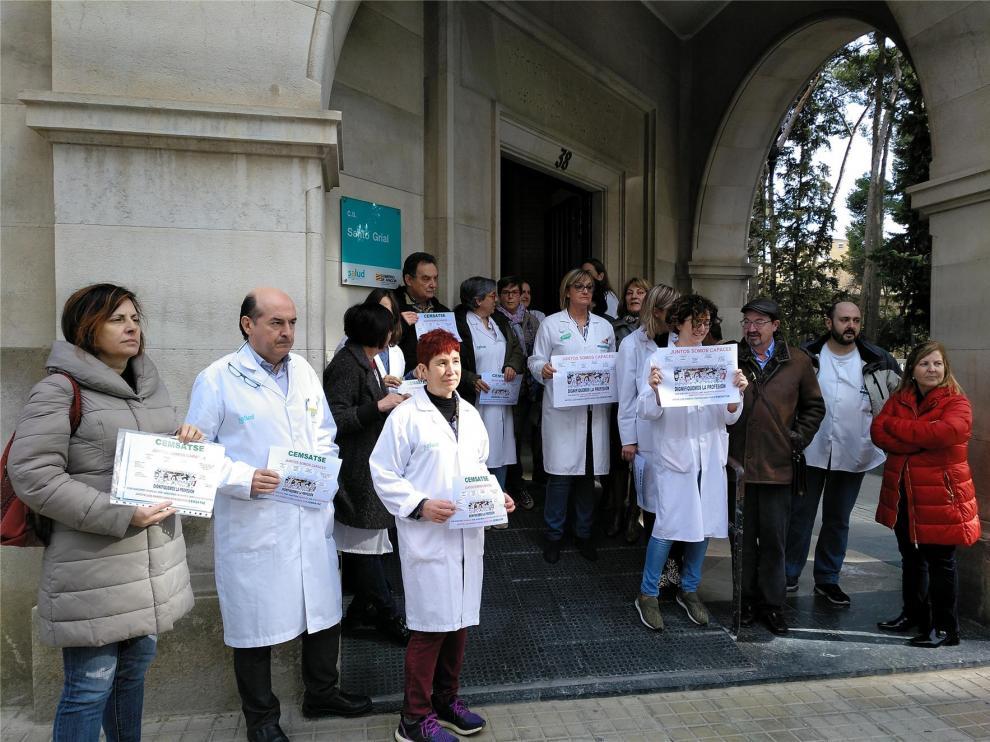 """Médicos y enfermeros exigen en Huesca a la DGA que negocie para revertir la """"situación límite"""" de la Sanidad"""