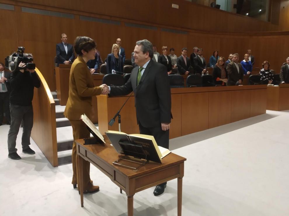 El barbastrense Ángel Solana toma posesión en Cortes e impulsa la primera propuesta