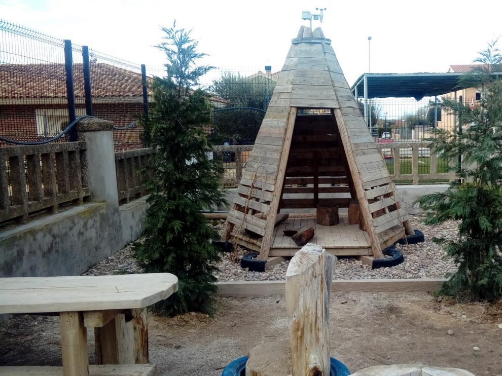 Almúdevar, ejemplo de educación artística, paisajismo y desarrollo comunitario en patios escolares