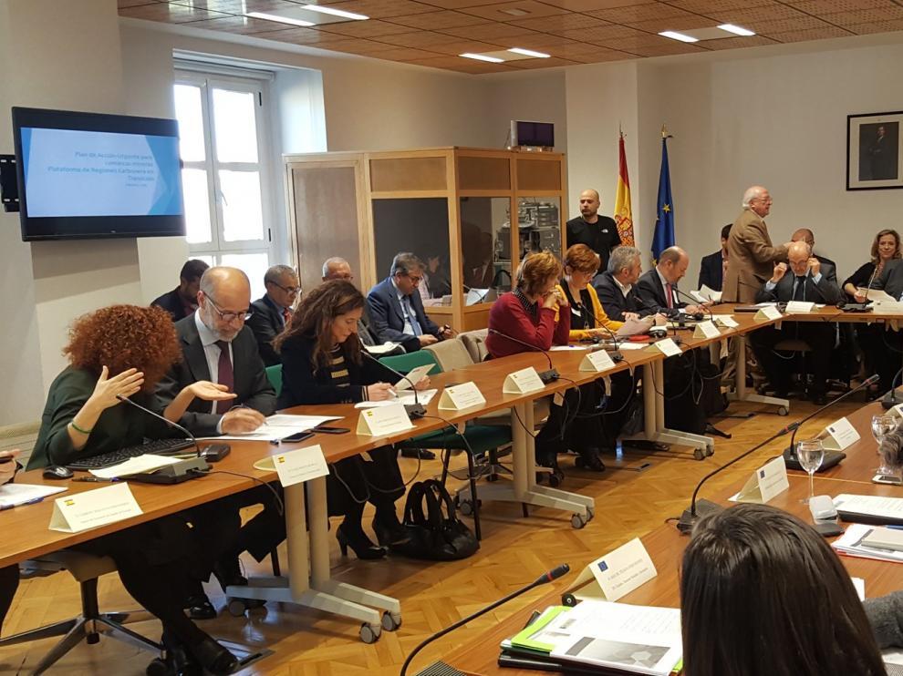 """Aragón pide una """"respuesta específica"""" a la transición energética"""