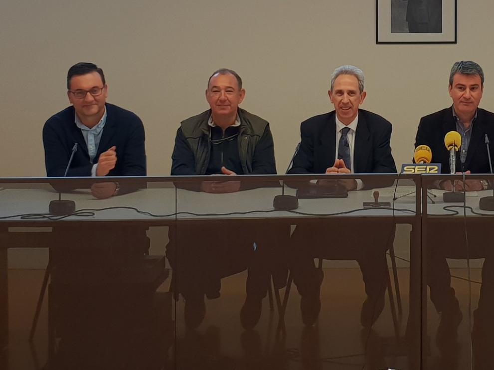 Graus formaliza la cesión de espacios del edificio Sindicatos
