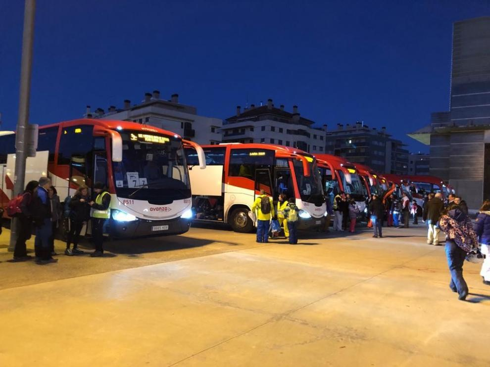 Quince autobuses viajan a las estaciones de Formigal y Panticosa para disfrutar de la Semana Blanca