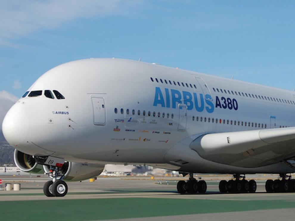 Airbus cierra una etapa al renunciar a fabricar su avión gigante A380